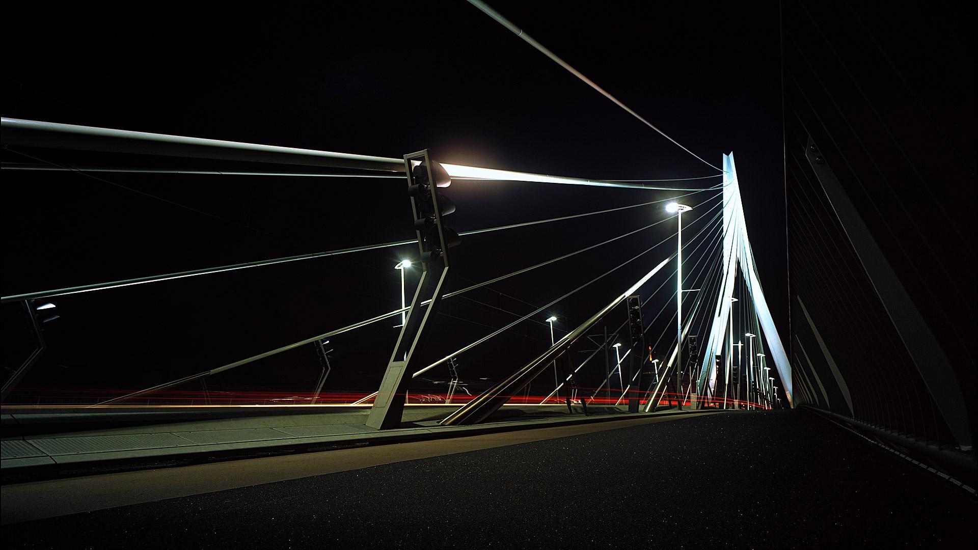 PDJPhoto, Peter de Jong, sluisweg 59, 2225 xj, Katwijk, 2000, Erasmusbridge, lines, lamps, streetlights, redlights