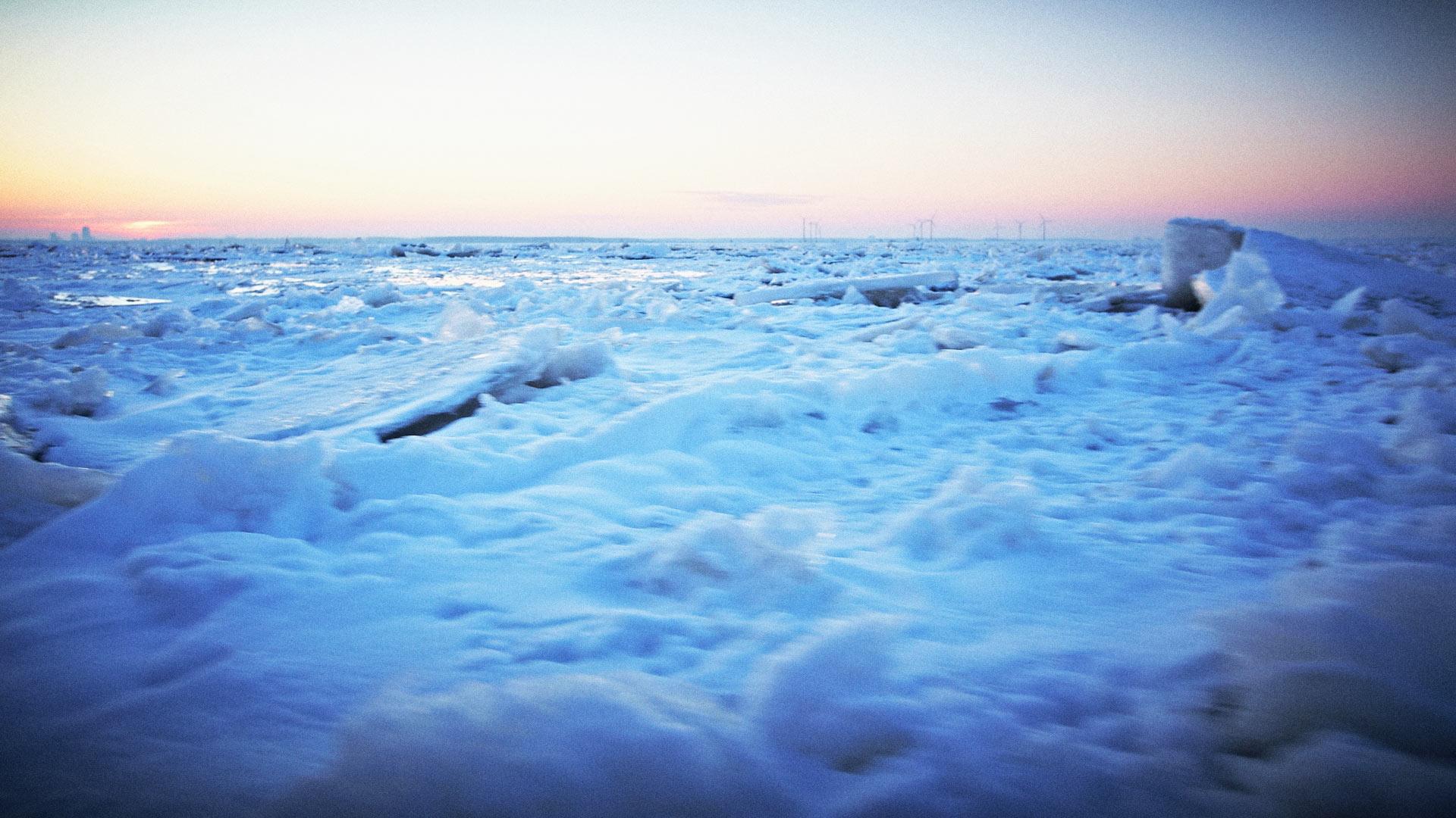 PDJPhoto, Peter de Jong, sluisweg 59, 2225 xj, Katwijk, 2012, ice, icebreaking, boat, lake, cold, sky, blue, sun
